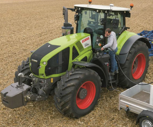 Claas Axion 900 Tractors